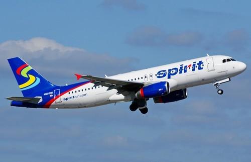 самолет Spirit Airlines